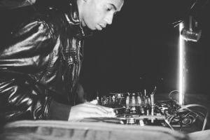 DJ Fresh – Mela (Ma-Africa) Ft. Buyiswa [DjThakzin Remix], DJ Fresh, Mela ,Ma-Africa, Buyiswa, DjThakzin, Remix, mp3, download, mp3 download, cdq, 320kbps, audiomack, dopefile, datafilehost, toxicwap, fakaza, mp3goo