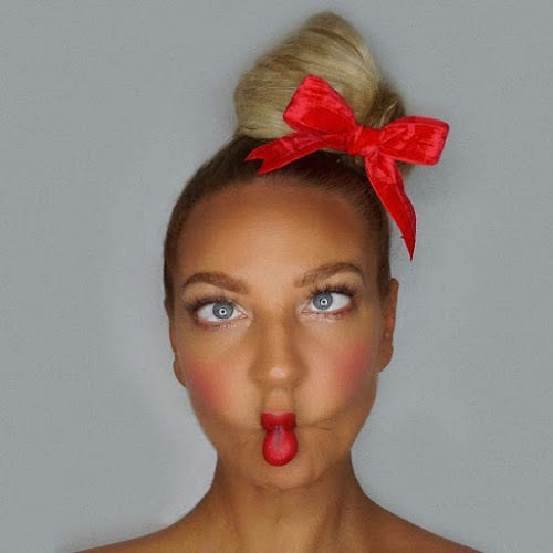 Download SIA Songs, Albums & Mixtapes On Zamusic