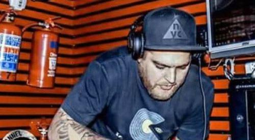 DJ Questo Ft. Thia - Uthando
